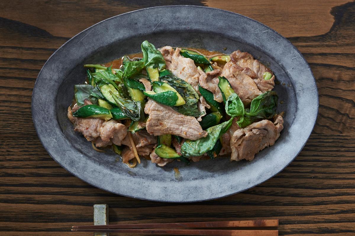 干しきゅうりと豚肉、バジル炒めのレシピ/「七草」前沢リカシェフに習う、一歩上ゆく野菜料理